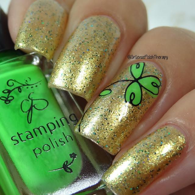 Clover St. Patrick's Day Manicure