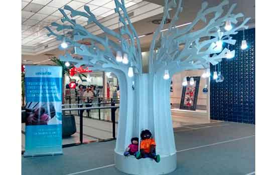 "Grand Plaza Shopping recebe a ""Árvore Iluminada da Unicef"""