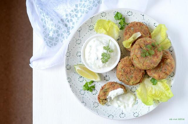 polpette-di-zucchini-alla-greca-kolokithokeftedes
