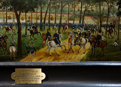 http://darkroom.baltimoresun.com/2012/06/the-war-of-1812-actors-artifacts-and-battle-reenactments/society-exhibits-its-greatest-treasure-the-manuscript-of-fsks-anthem-manuscript-along-with-many-other-paintings-documents-clothin-4/