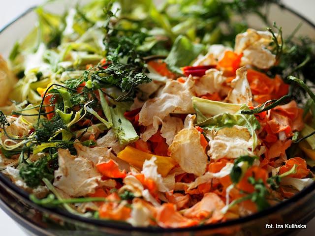 domowa przyprawa warzywa vegeta, domowa vegeta, przyprawa z suszonych warzyw, przyprawa do zup i sosow, domowe przetwory, jak zrobić domowa wegeta, smaczna pyza