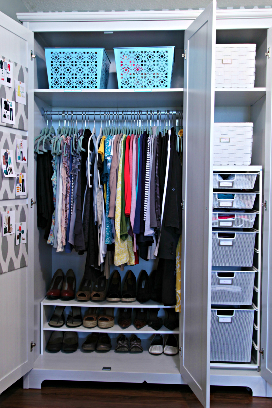 Fancy creating your own open clothes and shoe storage? It's easy with ELVARLI or ALGOT. These two systems have different parts that you put together the way you want. You get a personal combination that suits your space and your things, and that you can adapt or re-arrange whenever you feel like.