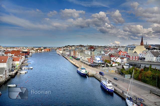 Panorama Haugesund. Widok na port i przystań jachtów w Haugesund