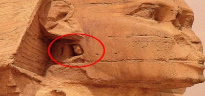 Hidden-chamber-and-entrance-to-the-tunnels-beneath-the-Sphinx-of-Egypt.