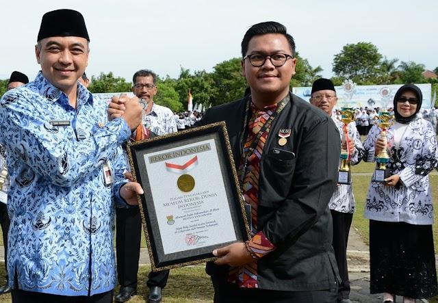 Pemkab Tangerang Raih Rekor MURI Bola Sundul Terbanyak