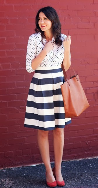 street style: mixing patterns, polka dot top with stripe skirt