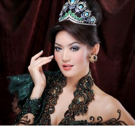 Model Baju Kebaya 2015 Modern Cantik Menawan