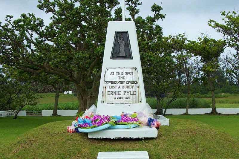 Ernie Pyle, monument