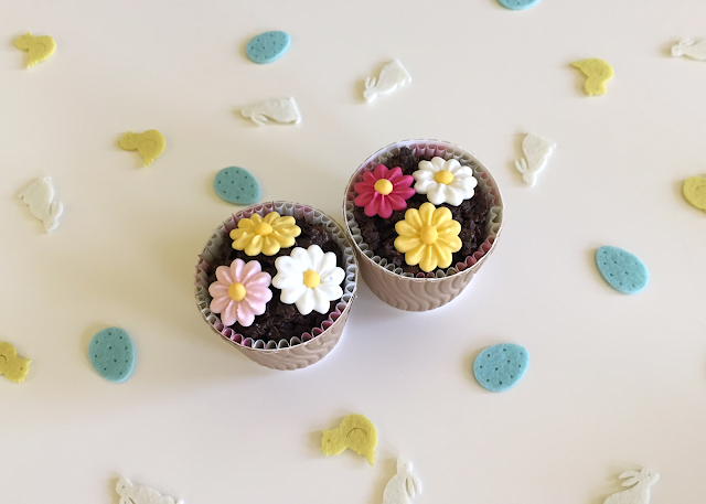 DIY Easter Spring Flower Pot Chocolate Cornflake Cake Gift