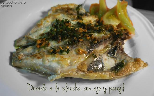 Dorada plancha ajo perejil receta presentación final