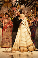 Sonam Kapoor's Sizzling walks the ramp for Rohit Bal at IBFW 2013