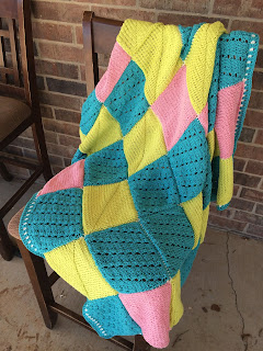 how to knit a blanket, free knitting pattern for a blanket, pattern and tutorial by April Garwood of Banana Moon Studio