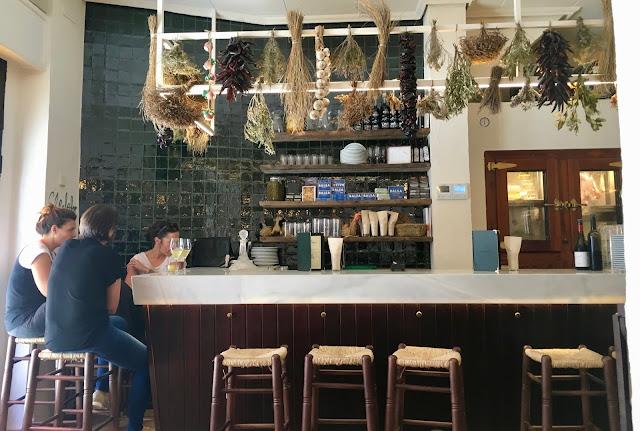 Anyora: nueva bodega en el Cabañal de recetas de toda la vida
