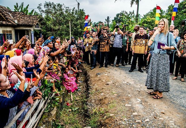 Queen Maxima made a working visit to Lampung state in Sumatra island, which is characterized by agriculture and met with farmers