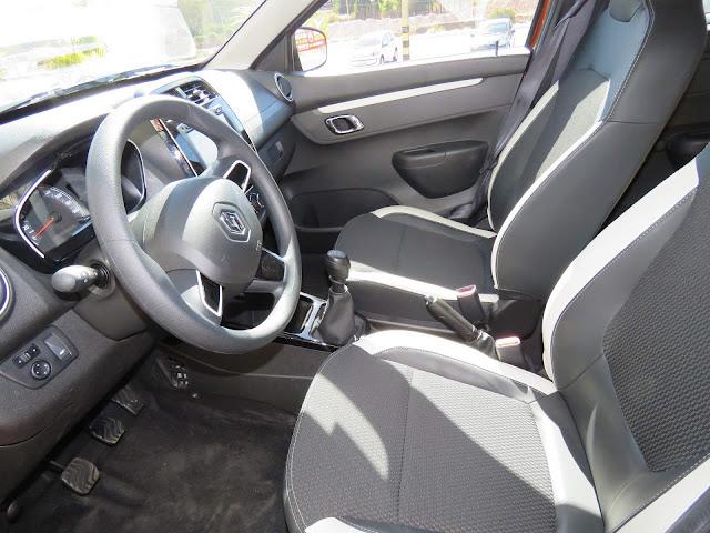 Renault Kwid 2018 - espaço interno dianteiro