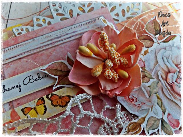 ozdobny kwiat z ryżykiem