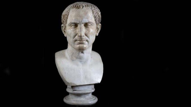 Em 15 de março de 44 a.C. Júlio César era assassinado
