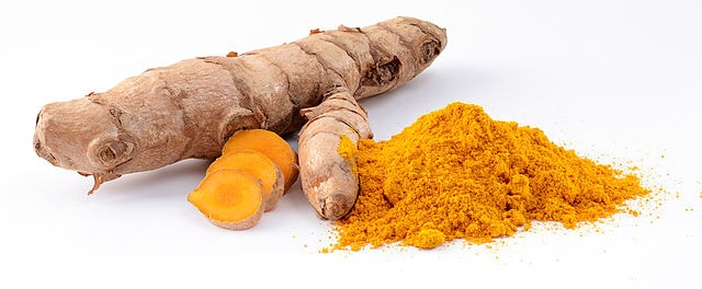 Turmeric possesses strong antiseptic properties, so it is used in conditions such as diarrhea, stomach bloating and bacterial diseases of the stomach and intestines.