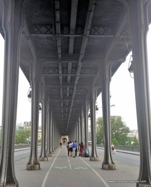 Pont de Bir-Hakeim en París