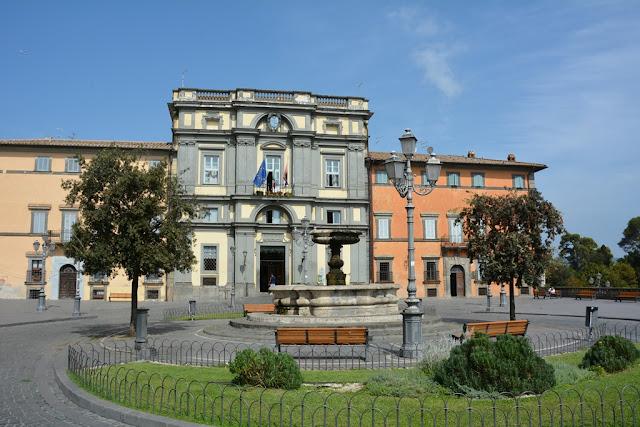 Bracciano market place