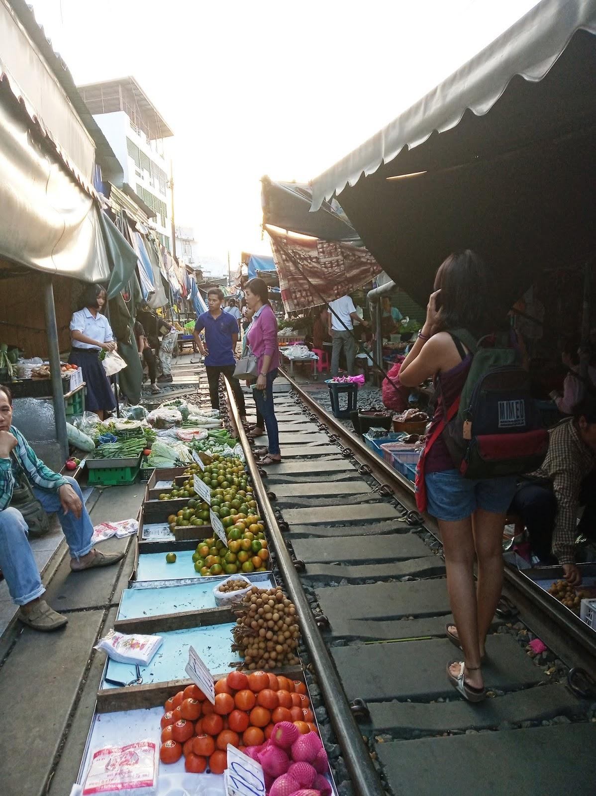How to go to Maeklong Railway Market Thailand - Ummi Goes Where?