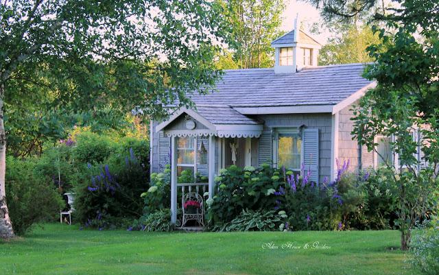 Aiken House & Gardens: The Gardener\'s Cottage