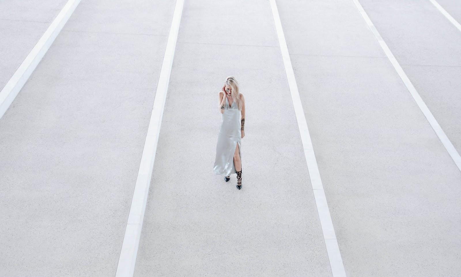 minimalist street style