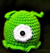 http://www.ravelry.com/patterns/library/futurama-amigurumi-brain-slug