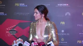 Deepika Padukone Promoting   Return of Xander Cage in India in Golde Gown 63 .xyz.jpg
