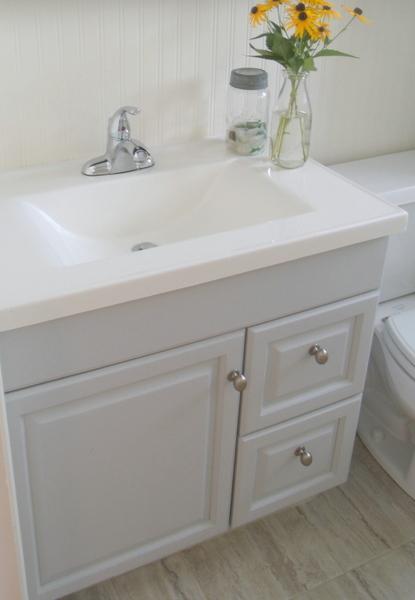 Update Bathroom Vanity - [pozicky.co]