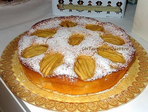Un tavolo per quattro torta di mele con yogurt al cocco for Torta di mele e yogurt fatto in casa da benedetta