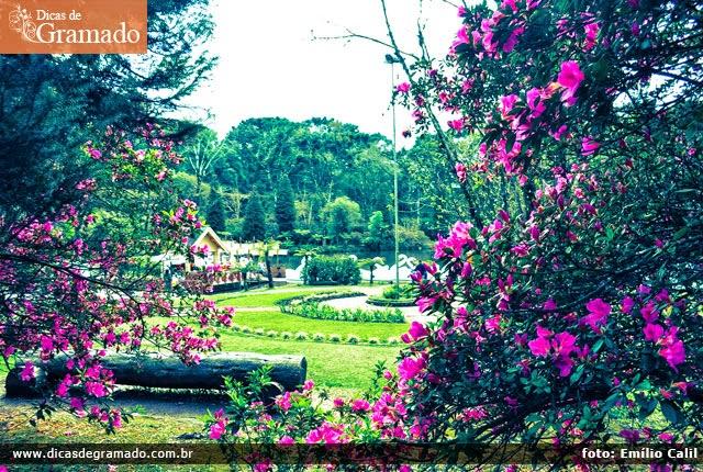O inigualável Lago Negro é um dos principais lugares onde o cheiro de Gramado lhe trará paz e tranquilidade.