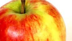 Buah apel memutihkan kulit