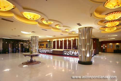 Ruang interior ASTON PONTIANAK Hotel nan megah cetar cetar.  Foto ASTON PONTIANAK