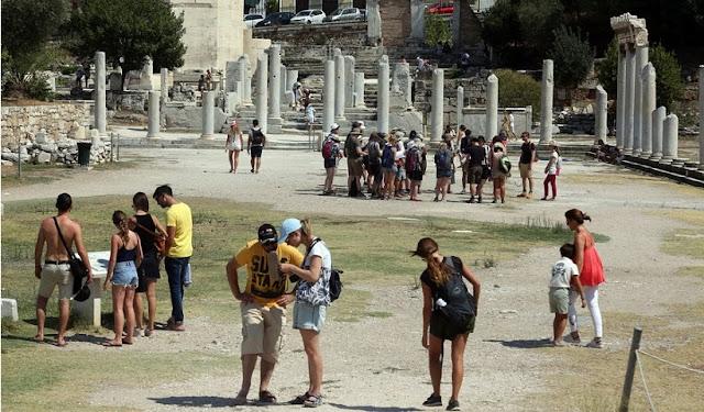 Περισσότεροι από 32 εκατομμύρια τουρίστες αναμένονται φέτος στην Ελλάδα