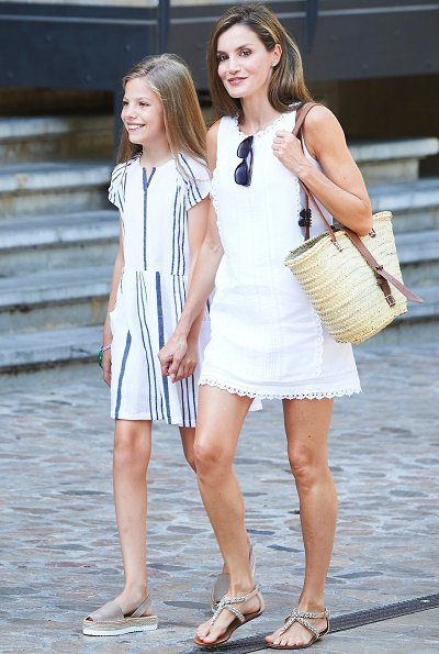 King Felipe, Queen Letizia, Infanta Sofía, Princess Leonor, Adolfo Dominguez sandals, Mango Dress, Prada and Ninos Dress at holiday