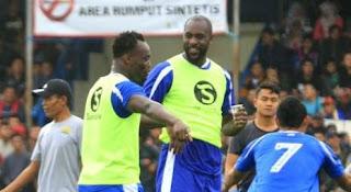 Video Latihan Essien dan Cole Bersama Persib Bandung