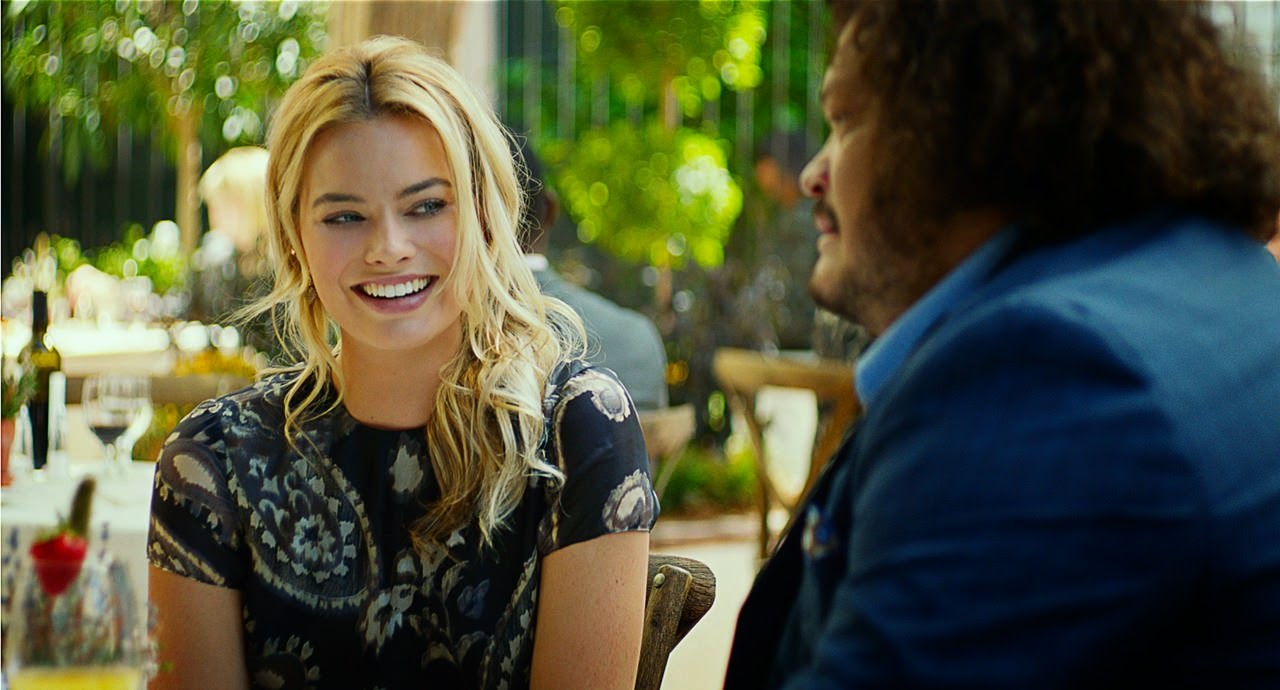 focus-margot robbie-adrian martinez
