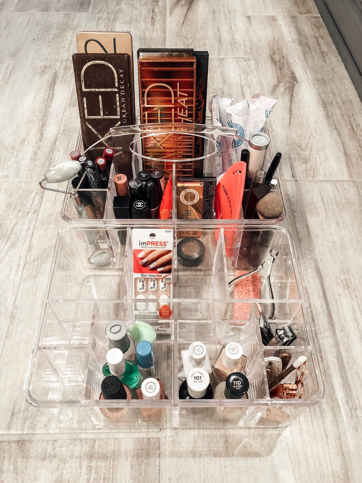 Makeup and manicure set organizers