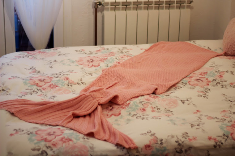 www.dresslily.com/solid-color-knitted-mermaid-tail-blanket-product1509031.html?lkid=1522939