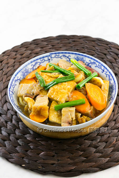 火腩炆豆腐 Braised Tofu with Roast Pork Belly02