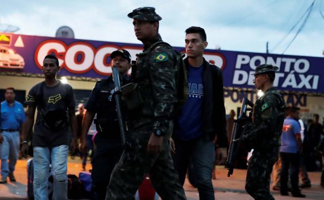 Brasil mantiene frontera militarizada debido a avalancha de refugiados venezolanos