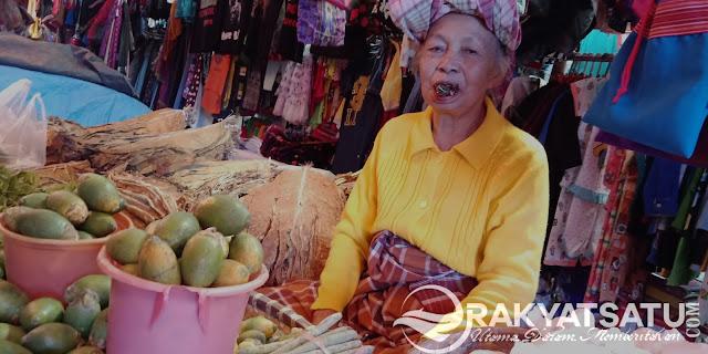 Berkunjung ke Toraja, Rasanya Tak Lengkap Tanpa Mengunyah Sirih Loh...