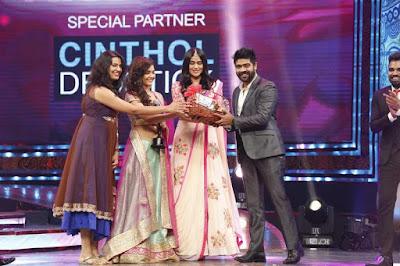 Zee-Tv-Apsara-Awards-2017-Photos-17