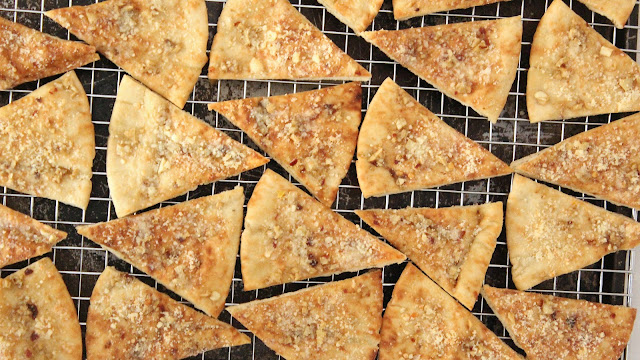 Cheesy Garlic Pita Chips
