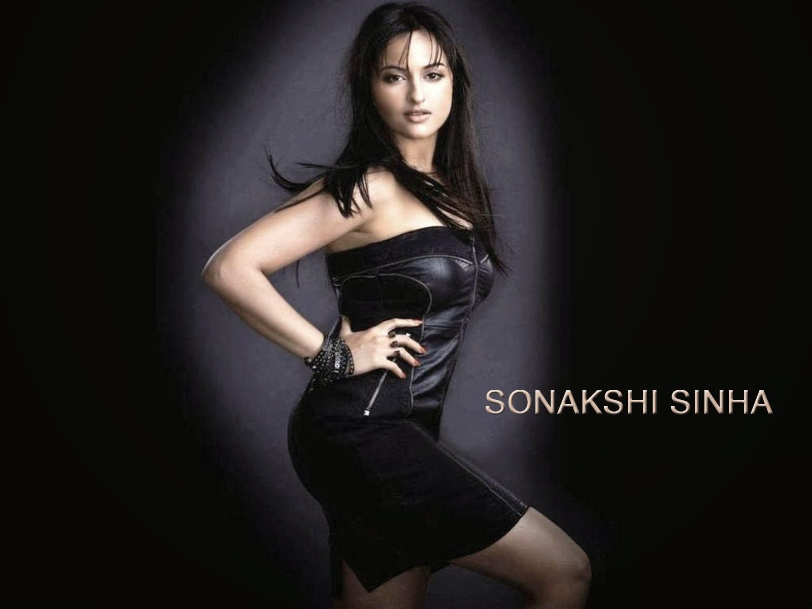 Sonakshi Sinha Hd Wallpapers: ALL IN ONE WALLPAPERS: Sonakshi Sinha Hd Wallpapers