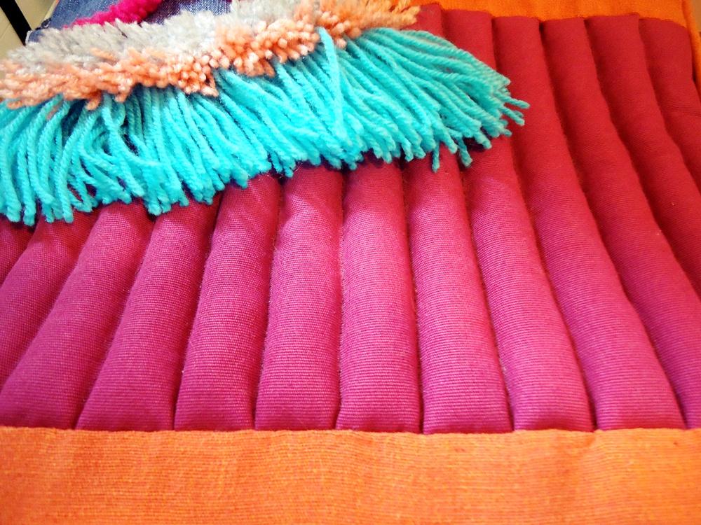 kolorowy pokrowiec na pufę