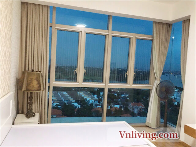Master bedrooms The Vista apartment 3 bedrooms for rent with big window
