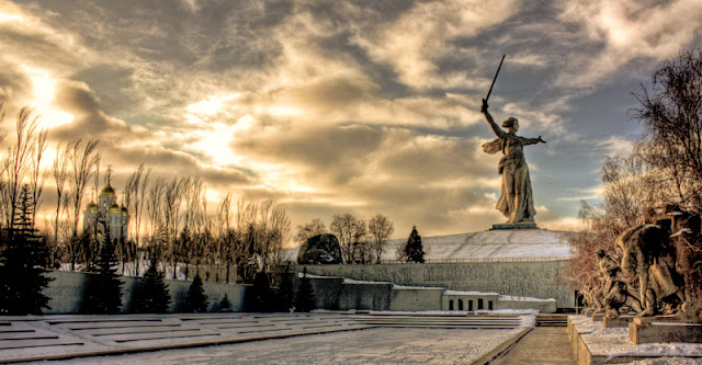 motherland calls monument in winter