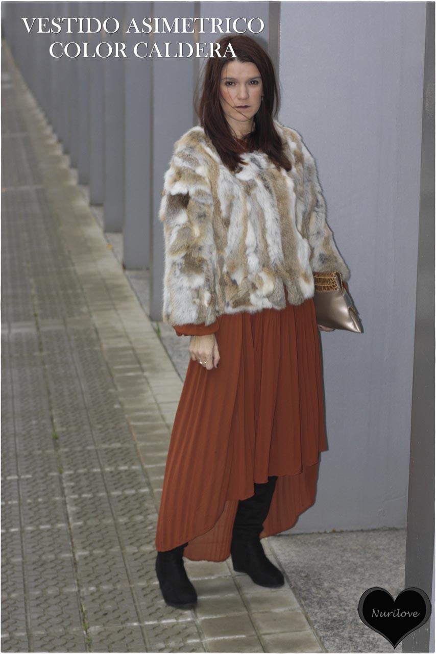 vestido asimétrico de color caldera